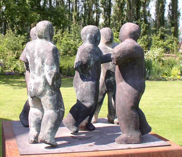 Vijf Figuren in Beweging, brons, Herman Van Nazareth