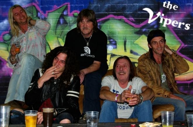 Na de bubblegum start in 1969, nu pure rock met The Vipers